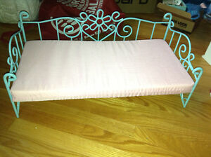 """Metal day bed for 18"""" dolls for sale"""