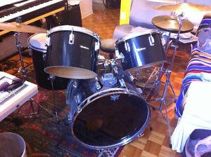 Batterie Westbury Drum kit + hats, ride, crash