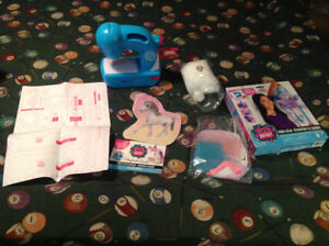 Coolmaker sewing machine and kits