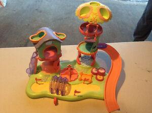 Littlest Pet Shop Whirlaround Playground.