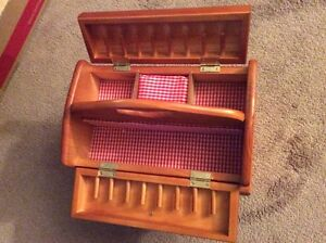 Small sewing cabinet or jewelry box Kitchener / Waterloo Kitchener Area image 2