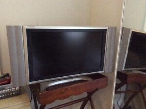 "Sharp 26"" flat screen tv"