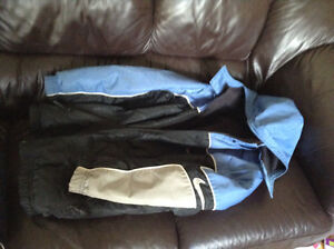 Age 10-12 boys winter coat and snow pants VERY WARM NIKE COAT