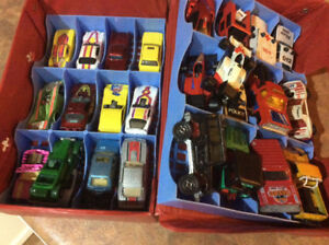 Tomica / Hot wheel cars and case