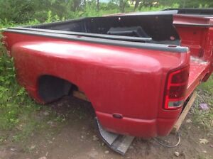 '02-'08 Dodge Ram Dually Bed