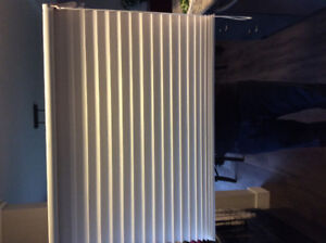 Hunter Douglas cellular blind - white