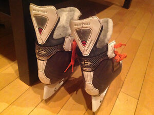Easton Hockey skate size 1 / patin de hockey Easton grandeur 1 Gatineau Ottawa / Gatineau Area image 3