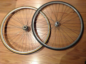 Cambio Rino - 700c Tubular Wheelset
