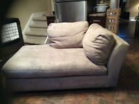 Selling a day bed couch.