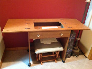Table de couture / Sewing Table