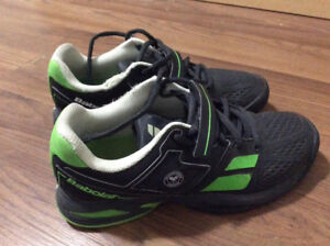 Babolat Tennis Shoes (kids/youth) size 3.5 US