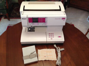 Pfaff Sewing Machine w/ built in Walking Foot and Accessories