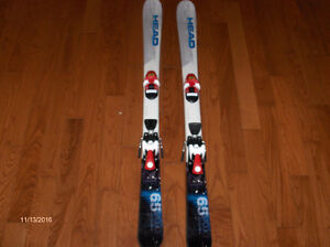 Head skiis 127cm long