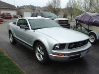 2008 Ford Mustang pony package Coupe low mileage