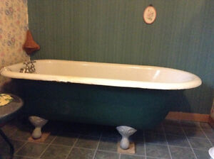 Antique clawfoot tub w/taps