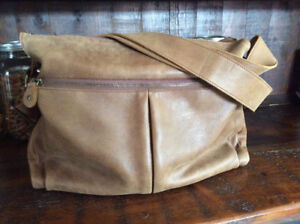 Roots leather padded messenger bag