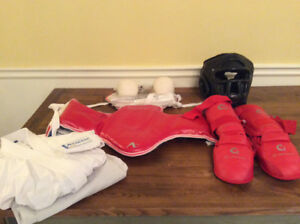 Karate Gi & Sparring Accessories by Arawaza,Budo Fight -like new