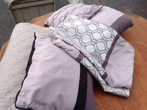 Rouched coverlet, shams / pillows and throw Kitchener / Waterloo Kitchener Area image 2