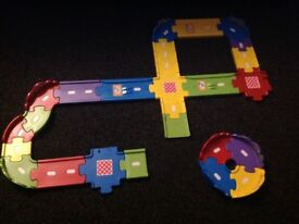 toot toot play track toy