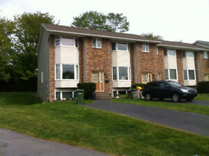 LOVELY TOWNHOUSE FOR RENT IN DARTMOUTH