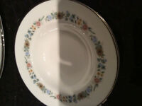 8 Piece Pastorale Royal Doulton Dinnerware
