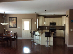NEW LISTING : SPECTACULAR BUNGALOW !!