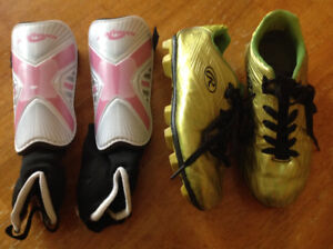 Rawlings soccer shoes and shin pads