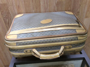 Gucci carry on suitcase authentic needs lining