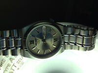 Seiko 5 Day/Date Men's Watch with Automatic Movement