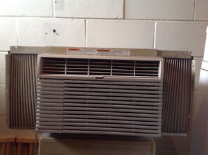 """Air conditioner 18"""" x 12"""""""