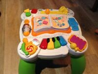 Leapfrog toddler activity table - English & French