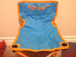 Folding camp chair for toddlers