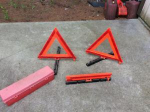 Emergency road triangles