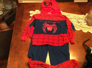 Spider-Man Halloween Costume with cape & Mask