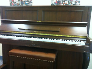 Upright Piano - SAMICK SM500 for sale (lowest price ever) Kitchener / Waterloo Kitchener Area image 4