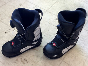 Youth snowboard boots US 2/3