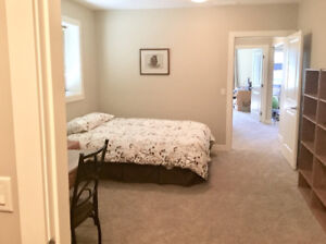 Room for Rent to female student - Fall and Winter Semesters