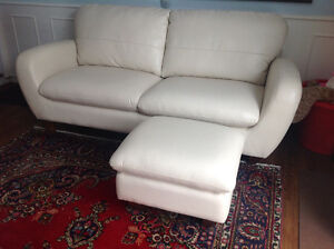 Couch, sofa, with ottoman, cream colour like new West Island Greater Montréal image 2