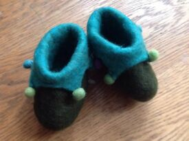 Cute Felt Jester/Christmas/Pixie Booties / Slippers