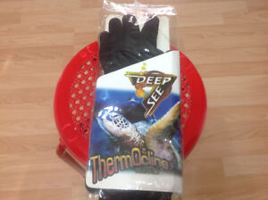Deep See Thermoline Diving Gloves --New