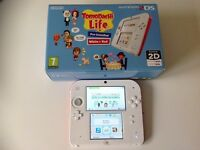 Boxed Nintendo 2DS Console & Carry Case