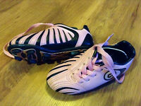 """Girl Soccer shoes Size 9 """"Just Like New!*"""
