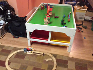 Train table with Thomas train and accessories