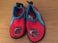 Spider-Man beach shoes size 6 toddler