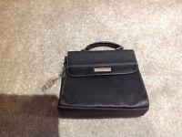 Black handbag fiorelli