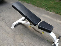Adjustable weight bench, heavy duty construction