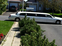 2000 Lincoln Town Car executive limousine 28 pied blanc