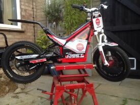 Onset 16R Trials Bike (2015)