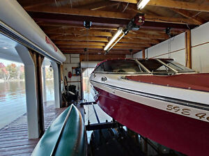 LOVE YOUR BOAT? THIS RIDEAU LAKES BUNGALOW IS FOR YOU!