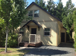 Last Minute Mthly Special/Cottage/Pool/Hot Tub /Beach/Parksville